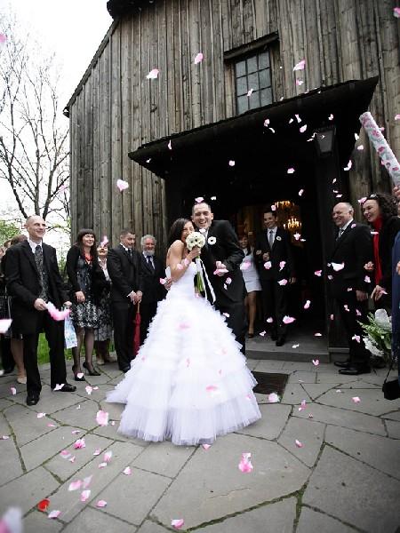 Suknia ślubna Do Wypożyczenia 4
